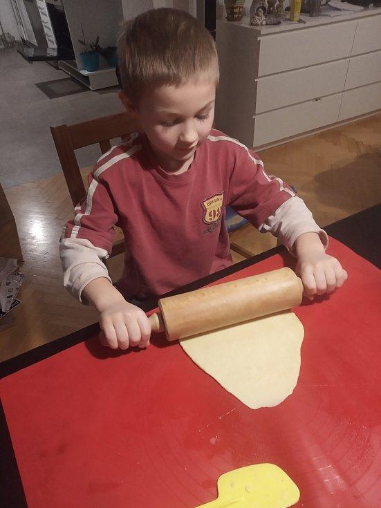 Příprava svatomartinských rohlíčků - úkol pro prvnáčky i třeťáčky.