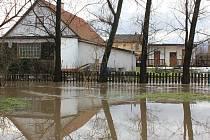 Rozvodněná Srpina v Nemilkově.