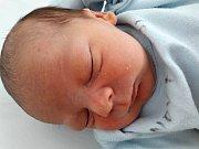 Matyáš Simmer se narodil 20. ledna 2018 ve 23.20 hodin mamince Nikole Simmerové z Mostu. Měřil 49 cm a vážil 3,12 kilogramu.