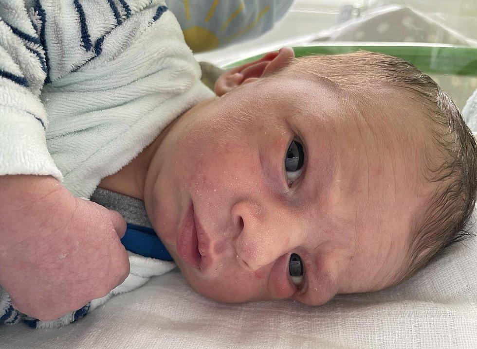 Šimon Šitina se narodil mamince Ivaně Šitinové ze Skršína 22. srpna v 7.48 hodin. Měřil 50 cm a vážil 3,25 kilogramu.