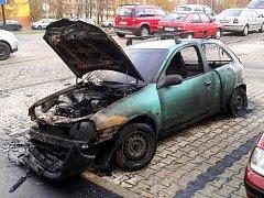 Auto po požáru.