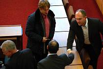 První zasedání mosteckých zastupitelů v roce 2012.