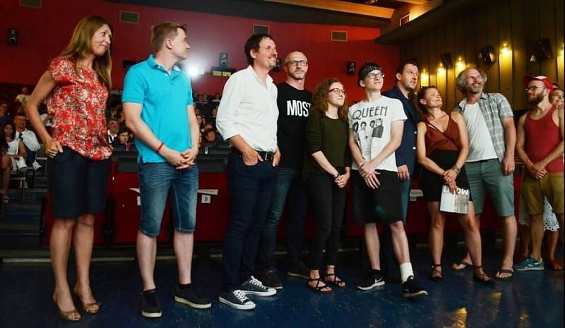 Kino Kosmos v Mostě. Předpremiéra seriálu Most!