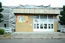 Mostecká 15. ZŠ je kvůli rekonstrukci zavřená