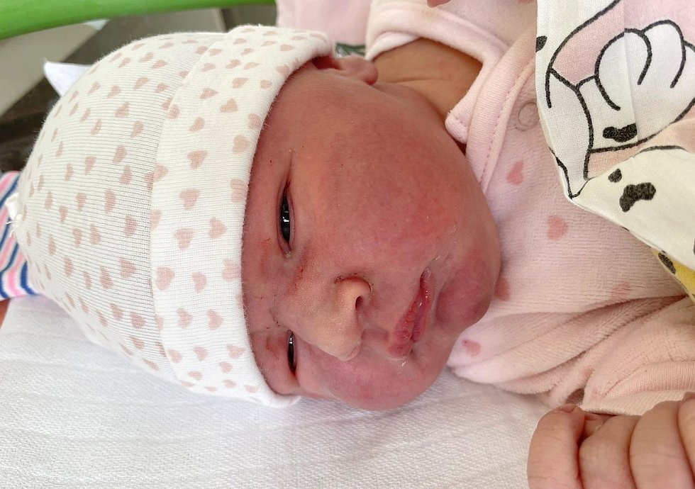 Eliška Novotná se narodila mamince Michaele Novotné z Lomu 18. dubna v 16.45 hodin. Měřila 52 cm a vážila 4,1 kg.