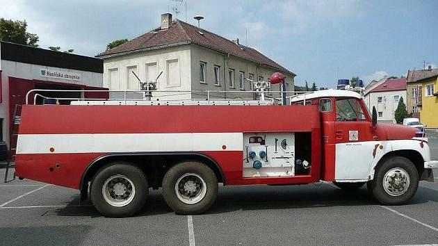 Technika mosteckých dobrovolných hasičů.