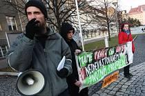 Proti dovozu ostravských kalů se v Litvínově v minulosti několikrát protestovalo.