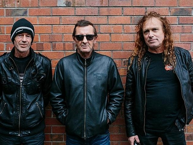 Bývalý bubeník a duše australské hardrockové kapely AC/DC Phil Rudd se svou současnou kapelou