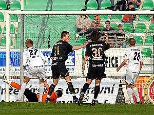 Vyrovnávací gól Bohemky na 2:2.
