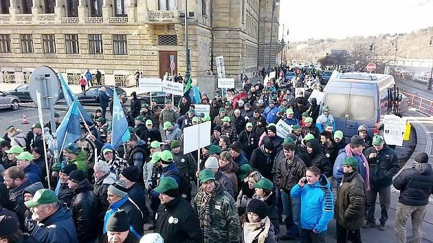 Demonstrace horníků v Praze.