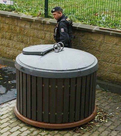 Pozornosti policistů uKrušnohoru neušlo ani místo určené kodkládání odpadu.