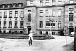 Zaniklá mostecká nemocnice před demolicí v 70. letech