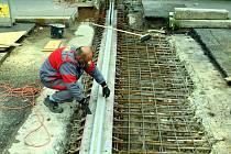 Oprava mostního závěru na mostu u nemocnice.