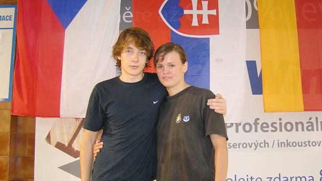 Čeští juniorští rekordmani Barbora Sládečková z Ostravy a Libor Válek z Mostu budou ČR reprezentovat na MS v Kolumbii.