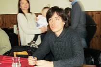 Matěj Stropnický na konferenci zelených v restauraci Rudý dům v Litívnově.