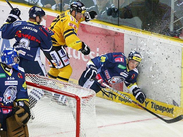 Litvínov (ve žlutém) v Liberci prohrál.