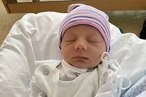 Adam Brablík se narodil 7. srpna v 15.07 hodin. Rodiče Soňa Jankulíková a Libor Brablík. Měřil 48 cm a vážil 3,27 kg.