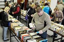 V pondělí začala v Mostě burza knih. Potrvá do soboty.
