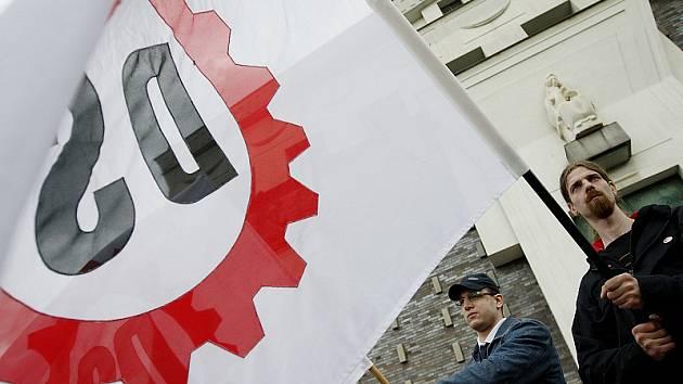 Občanské sbory radikální Dělnické strany chtějí střežit Janov.