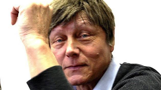 Gynekolog Miroslav Grund. Tvrdí, že je nevinný.