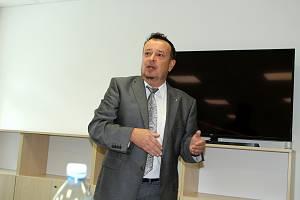 Výkonný ředitel společnosti Most k naději Lubomír Šlapka. Most k naději provozuje Dům humanity.