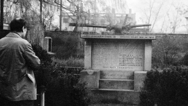 Pomník v Dolním Jiřetíně.