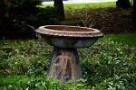 Zapomenutá fontána v parčíku na Skupovce v Mostě.