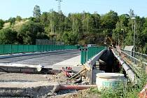 Oprava mostu do Rudolic se blíží k závěru