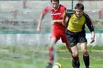 Na litvínovském trávníku se ve 27. kole divizního fotbalu představil tým Sokol Brozaby, který se odvezl nadílku v podobě pěti branek.