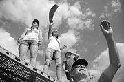 Sobotní závody dračích lodí na Matyldě v Mostě.