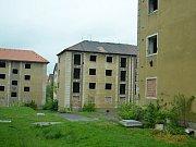 Neobydlené domy u Stovky. Jeden, blok 35, se bude opravovat.
