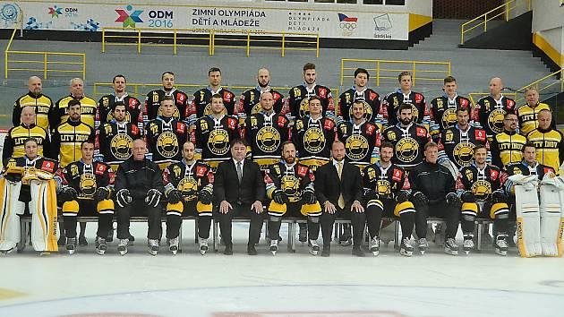 Ve středu absolvovali hokejisté Litvínova týmové focení. Dnes v Olomouci vstoupí do extraligy.