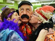 Ples seniorů v Mostě.