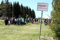 Klub česko - německého partnerství oslaví třetí narozeniny. Klínská brána, turistický cíl a hraniční přechod na hřebenu Krušných hor  se stala jedním z klíčových míst, kde se lidé scházeli, aby se postavili proti uzavření hranic.
