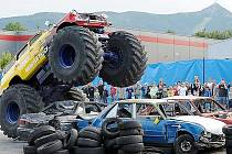 Monster truck v akci.