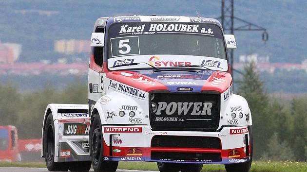 Závody trucků na mosteckém autodromu.