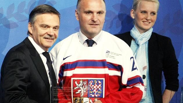 Robert Reichel jako nová hokejová legenda vstoupil letos v květnu do Síňě slávy při hokejovém mistrovství světa v pražském hotelu Clarion.
