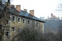 Opuštěný blok 34 v ulici Jaroslava Seiferta v Mostě