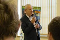 Jan Landa při besedě se studenty.