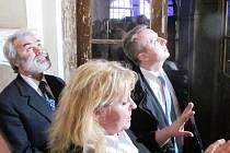 Ministr si prohlédl zámek. O výklad se postarala kastelánka Hana Krejčová.