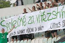 Fanoušci Mostu při domácím zápase s Táborskem.