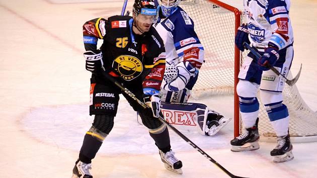 Viktor Hübl v zápase s Brnem, ve kterém překonal rekord Petra Lešky.