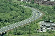 Silnice Most-Litvínova patří státu. Kraj a město žádají její rozšíření.