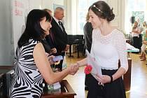 Absolventi litvínovského gymnázia slavnostně převzali maturitní vysvědčení