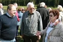 Snímek z činnosti Českojiřetínského spolku, Petr Fišer (vlevo)