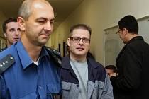 Petr Kušnierz u soudu v září 2014.