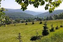 Nová Ves v Horách je klidná a upravená vesnice, lze tam začít výlety