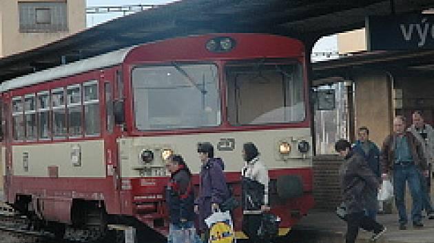 Moldaváček využívají lidé na cestu do práce a z práce a také turisté. Budoucnost trati je ale nejistá.