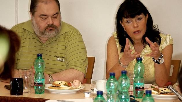 Alena Dernerová včera oznámila, že nechce další politickou funkci. Severočeši.cz ji mají v Senátu.