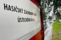 Sedm jednotek hasičů zasahovalo u požáru bytu na mostecké třídě Budovatelů.